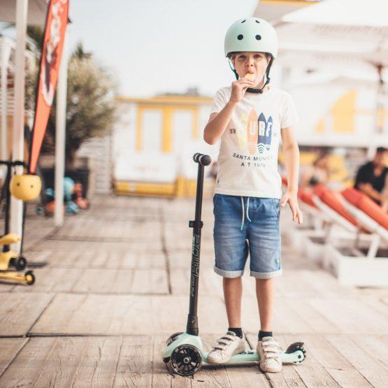 Детска тротинетка Scoot & Ride Highwaykick 3 LED, Сгъваема, Киви