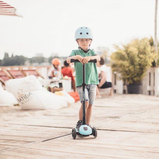 Детска тротинетка Scoot & Ride Highwaykick 3 LED, Сгъваема, Боровинка
