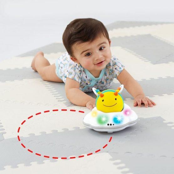 Бебешка интерактивна играчка за пълзене